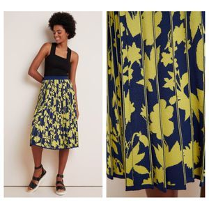 Anthropologie Leandra Pleated Sweater Skirt Size M